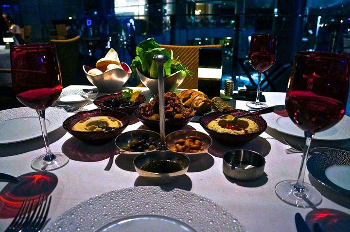 Ливанский ресторан LI Beirut отеля Jumeirah at Etihad Towers